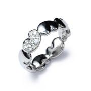 sydamella-sormus-timanteilla